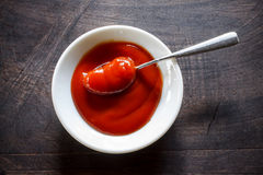Ketchup de tomate Images stock