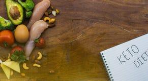 Keto składniki na drewnianym stole zdjęcie stock
