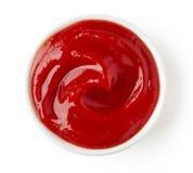 Ketschup oder Tomatensauce auf weißem Hintergrund Lizenzfreie Stockbilder