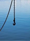 Kette auf Fischerboot Stockfotos