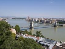 Kettenbrücke über Fluss Donau Stockfotografie