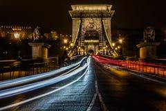 Kettenbrücke nachts Lizenzfreies Stockfoto