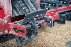 Kettenförderermechanismus für das Säubern des Kornes, Hanf stockfoto