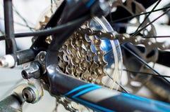 Ketting en toestelsysteem van fiets stock foto's
