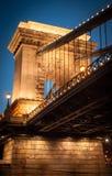 Kettingsbrug bij nacht Royalty-vrije Stock Afbeelding