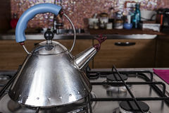 Kettle on the stove Royalty Free Stock Photography