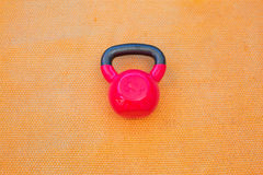 Kettlebell rouge Photos stock