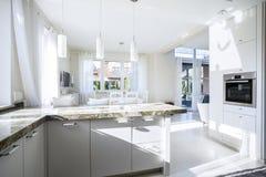 Keuken en Eetkamer Royalty-vrije Stock Afbeeldingen
