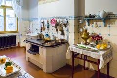 Keuken in flat van Letse architect Konstantins Pekshens Royalty-vrije Stock Afbeeldingen