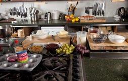 Keuken klaar om worden gebruikt Stock Afbeelding