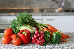 Keuken met rode groenten   Stock Foto's