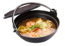 Keuken van het de soep traditionele voedsel van Tom Yum Goong de kruidige in Thailand stock foto's