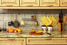 Keukengerei en fruit. Royalty-vrije Stock Afbeelding