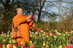 Keukenhof,荷兰- 2015年4月18日:少林修士被拍摄 免版税库存照片