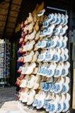 KEUKENHOF, НИДЕРЛАНДЫ - 10-ОЕ МАЯ 2014: Традиционные голландцы сватают Стоковые Фото