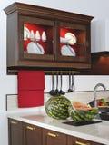 Keukenkast voor schotels Royalty-vrije Stock Foto's