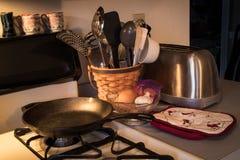 Keukenmateriaal en werktuigen Royalty-vrije Stock Fotografie