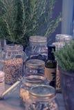 Keukenstilleven met kruiken Royalty-vrije Stock Fotografie