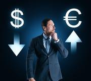Keus, cryptocurrency en voorraadconcept royalty-vrije stock afbeelding
