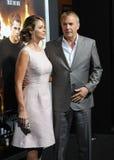 Kevin Costner & Christine Baumgartner Stock Foto's