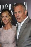 Kevin Costner & Christine Baumgartner Stock Fotografie