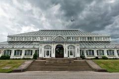 Kew arbeta i trädgården London UK Arkivbilder