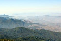 Kew Mae平底锅自然痕迹美好的山场面视图在土井Inthanon国家公园,清迈,泰国 库存图片