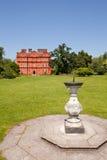 Kew slott och Sundial, Kew trädgårdar Fotografering för Bildbyråer