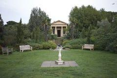 Kew trädgårdtempel arkivfoton