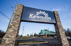Kewadin-Kasino im Weihnachten Michigan stockbilder