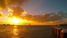 key den västra solnedgången arkivfilmer