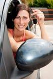 key kvinna för bil arkivbild