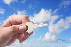 key sky för hand royaltyfria foton