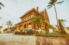 KEY WEST, FL - ENERO DE 2016: Vista colorida aduanas Llave Fotografía de archivo libre de regalías