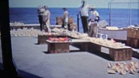 KEY WEST, FL -1971 : La boutique de l'allée du pirate et le point le plus le plus au sud aux Etats-Unis avec la conque écossent d banque de vidéos