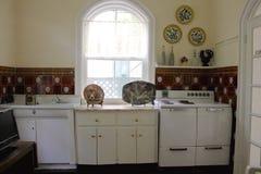 Key West, la Florida, los E.E.U.U. - 6 de enero de 2014: La cocina de la casa de Ernest Hemingway en Key West, los E.E.U.U. fotos de archivo