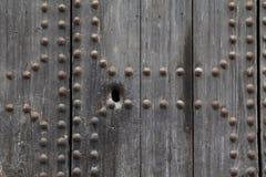 Keyhole в деревянной двери Стоковая Фотография