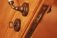 Keyhole i klucz zdjęcia royalty free