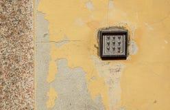 keypad clavier numérique sur le mur image stock