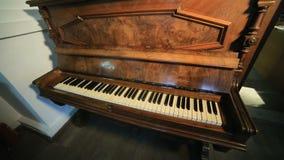 keys det gammala pianot stock video