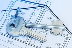 Keys on house blueprints Royalty Free Stock Photos