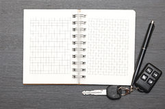 Keys on notepad Royalty Free Stock Image