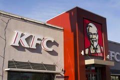 KFC międzynarodowego fasta food firmy restauracyjny logo na Luty 25, 2017 w Praga, republika czech Zdjęcia Stock
