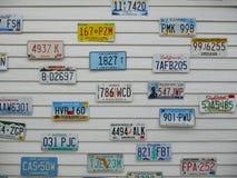 Kfz-Kennzeichen auf der Wand Stockbild