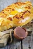 Khachapuri Adjara - пирог сыра стоковые фотографии rf