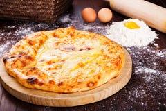 Khachapuri Georgisk kokkonst Georgisk mat Arkivbilder
