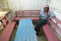 Khadija Rama, fondatrice de programme de rééducation de Pepo La Tumaini Jangwani, de la Communauté de HIV/SIDA, d'orphelinat et d photo stock