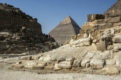 Khafre金字塔的看法在开罗在埃及 免版税库存照片