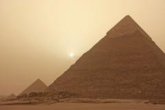 Khafre,开罗金字塔在沙尘暴的 免版税图库摄影