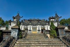Khai Dinh Imperial Tomb-Eingang in der Farbe, Vietnam stockfotografie